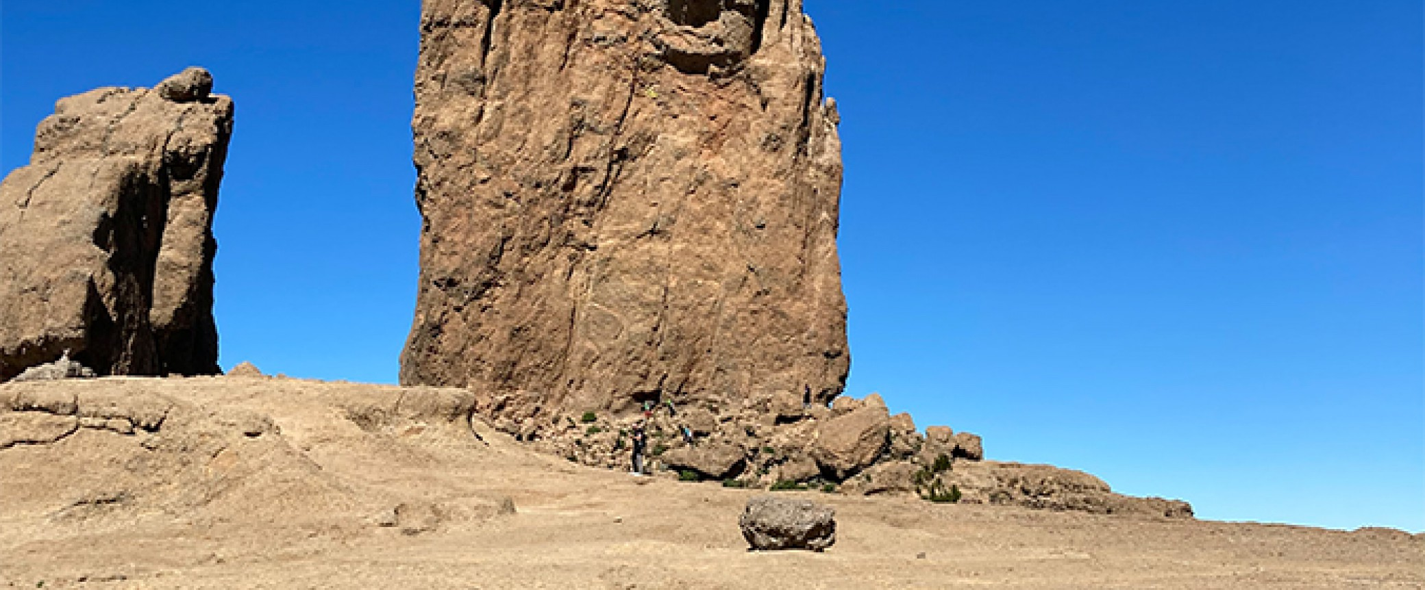 hiking on gran canaria to the roque nublo